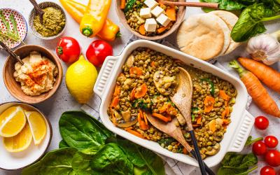 Alimentação plant based: quais são as vantagens de tirar os alimentos de origem animal do prato?